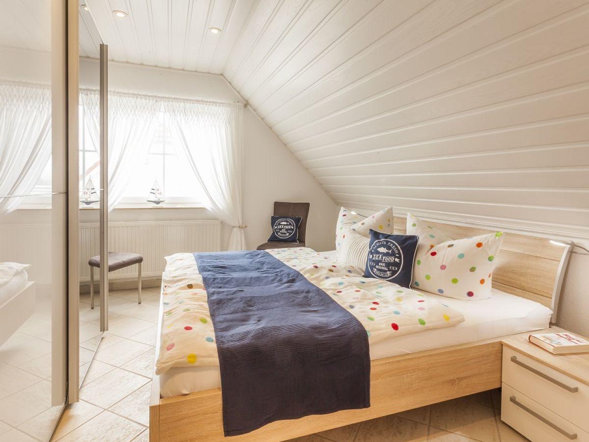 ferienhaus boddenblick wiek auf r gen familie elke und dieter tegeler. Black Bedroom Furniture Sets. Home Design Ideas