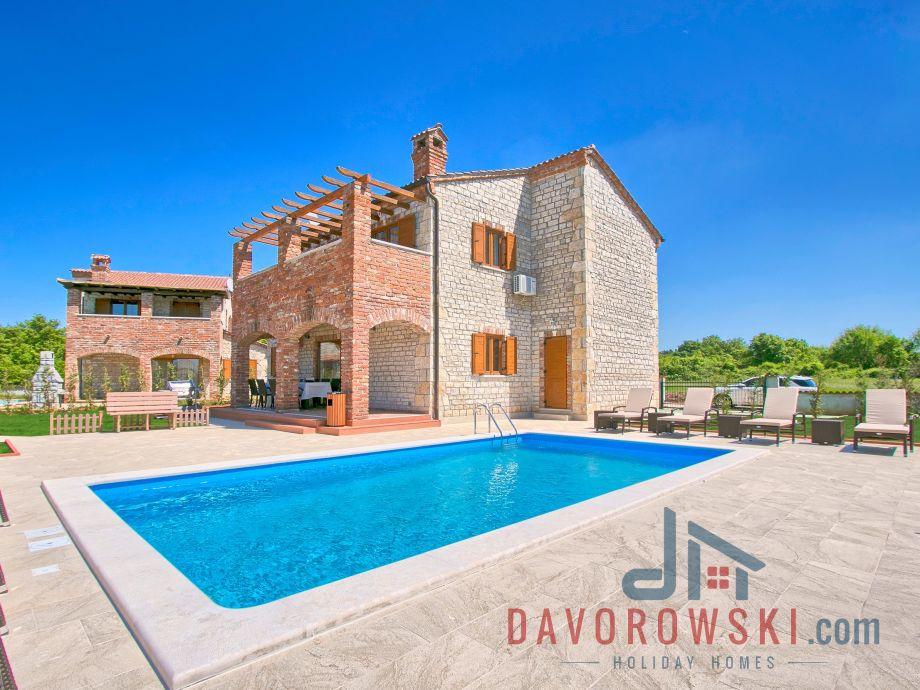 Rustical Istrian villa Maiya with Pool