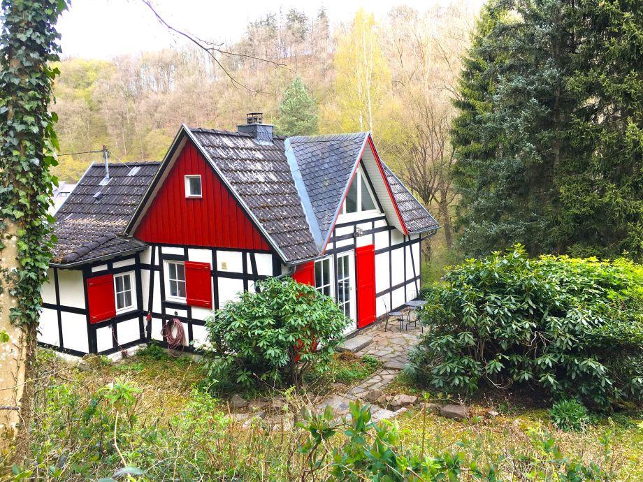 ferienhaus eichenbach eifel herr ralf stauf. Black Bedroom Furniture Sets. Home Design Ideas