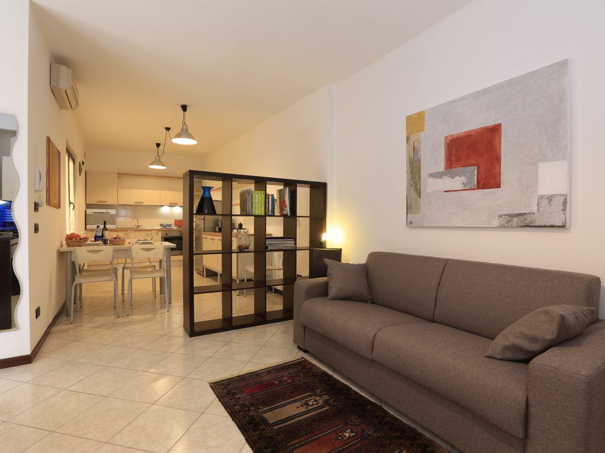 Apartment Desenzano Corte Santa Maria Verde (2040), Gardasee ...