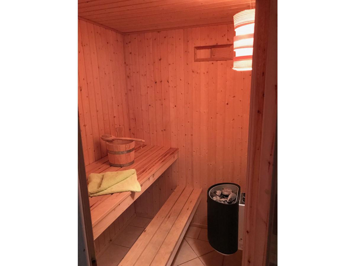 ferienhaus schatzkiste 228 ostsee r gen firma fewo meer. Black Bedroom Furniture Sets. Home Design Ideas