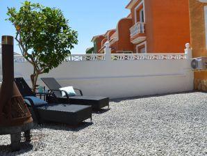 Ferienwohnung Apartment Tirom
