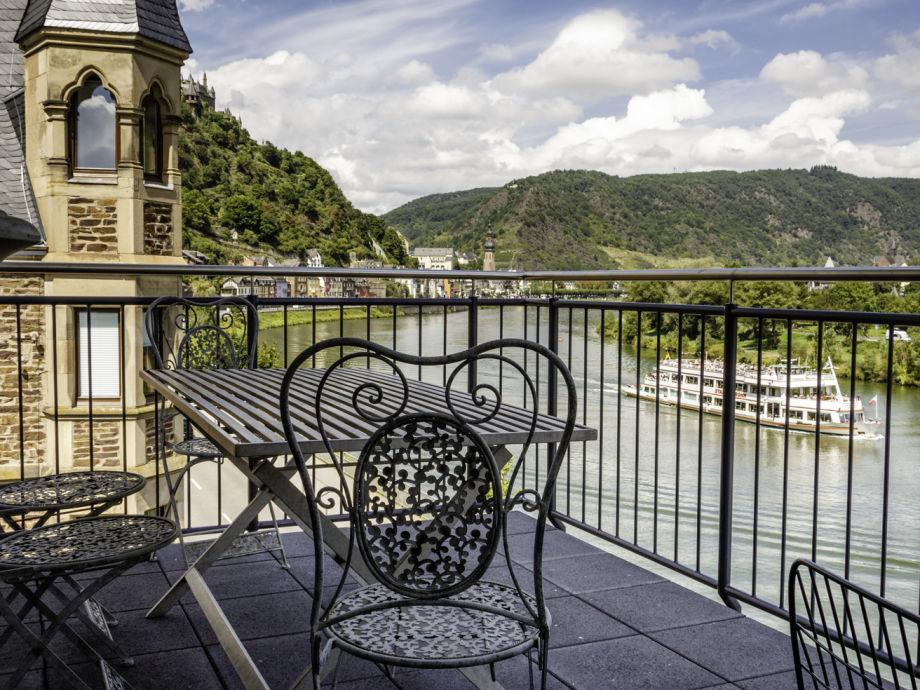 Balkon mit Blick auf die Mosel