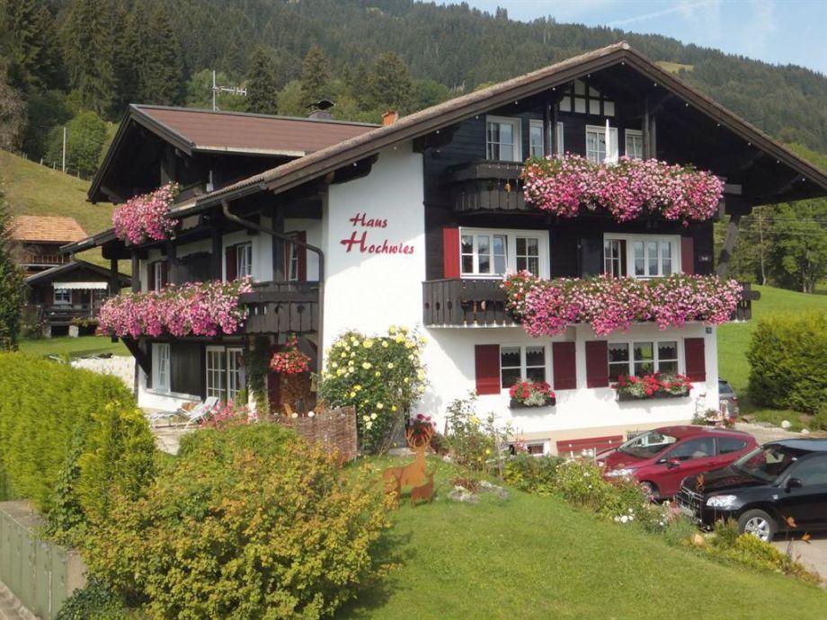 Haus Hochwies in Bolsterlang im Sommer