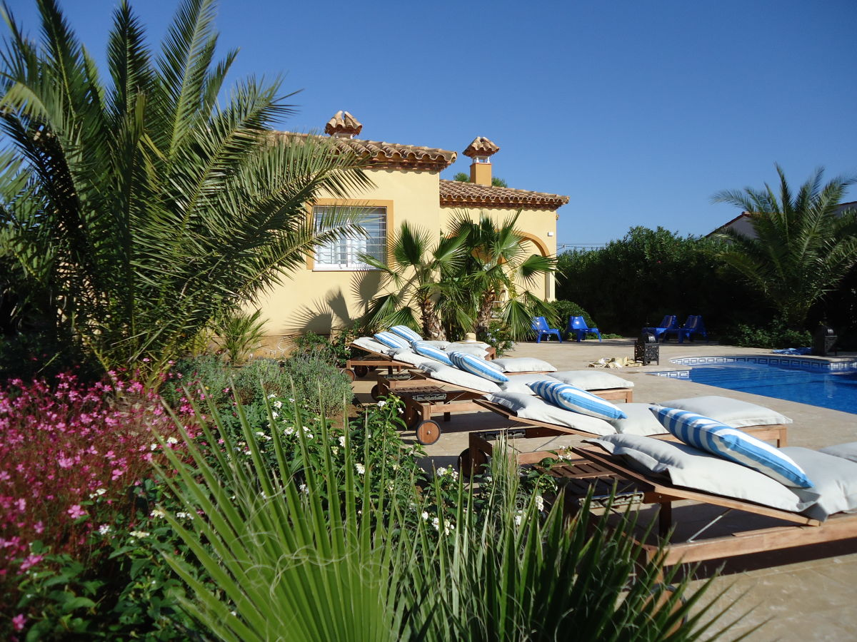ferienwohnung villa tibati katalonien costa dorada firma calafat retreats herr jonathan. Black Bedroom Furniture Sets. Home Design Ideas