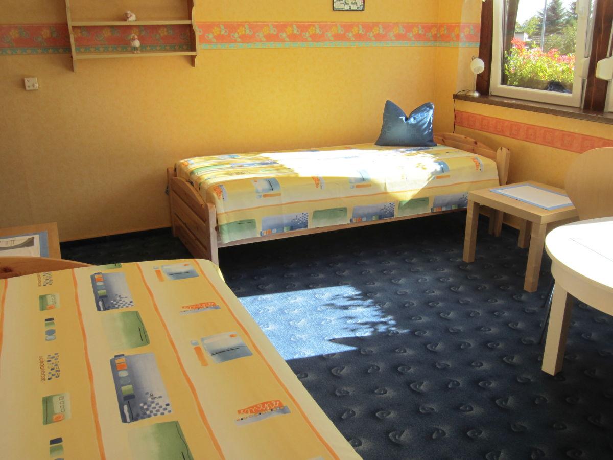 ferienhaus rosen ambiente weltnaturerbe wartburg hainich. Black Bedroom Furniture Sets. Home Design Ideas