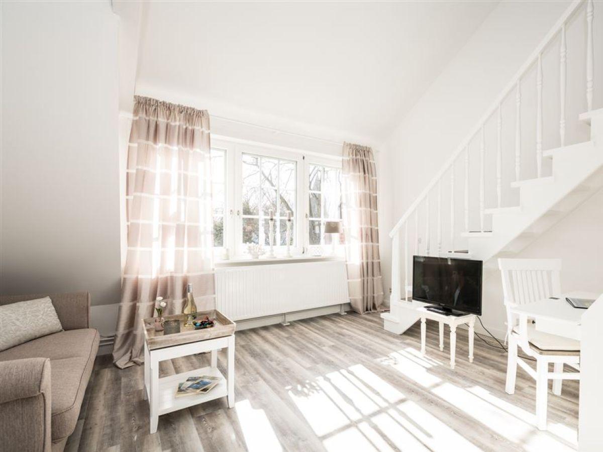 Ferienwohnung 18 haus kirchenweg sylt firma kluge - Haus mit galerie im wohnzimmer ...