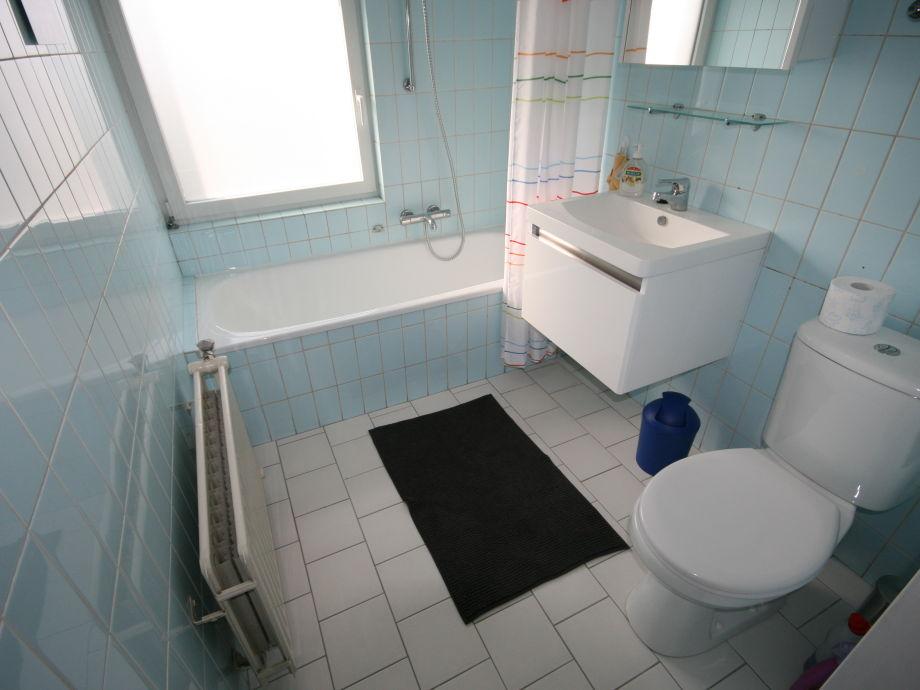 Ferienhaus lemmer breezand 13 lemmer friesland am for Badezimmer mit dusche und wanne