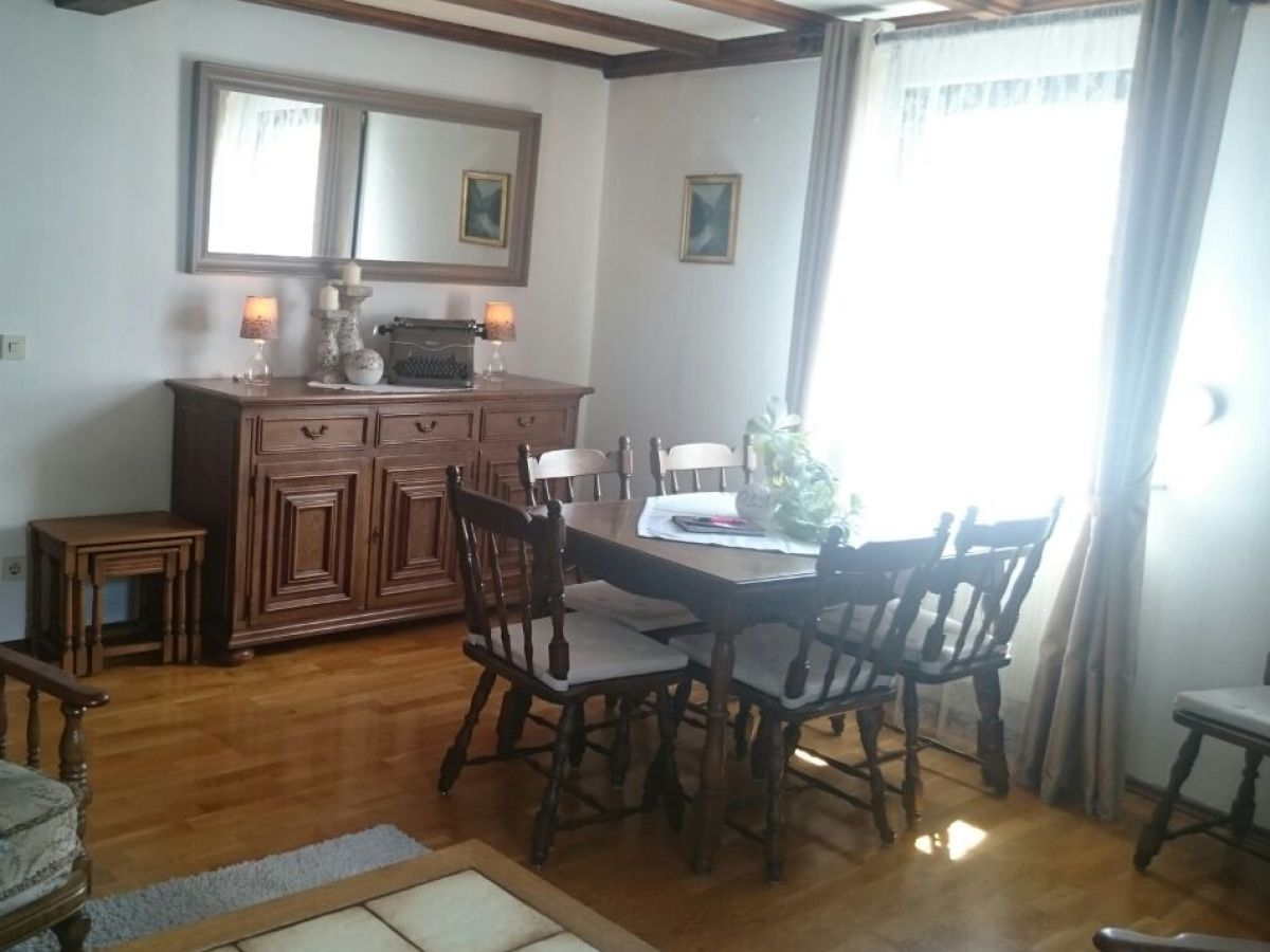 ferienhaus zur elz osteifel monreal familie markus. Black Bedroom Furniture Sets. Home Design Ideas