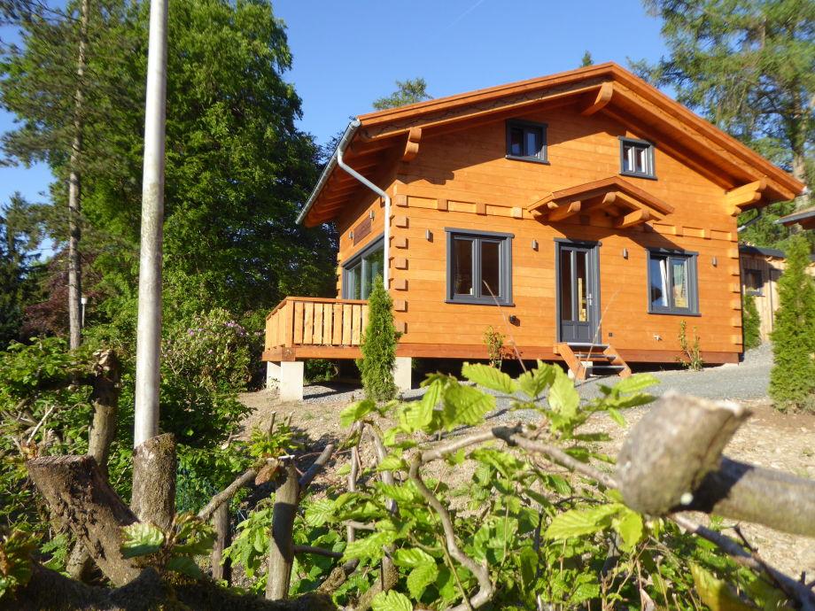 Außenaufnahme 5-Sterne Blockhaus Wellness Hütte Ferienhaus