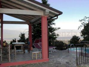 Villa Versilia rossa