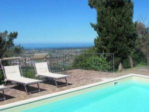 Ferienwohnung Villa Versilia