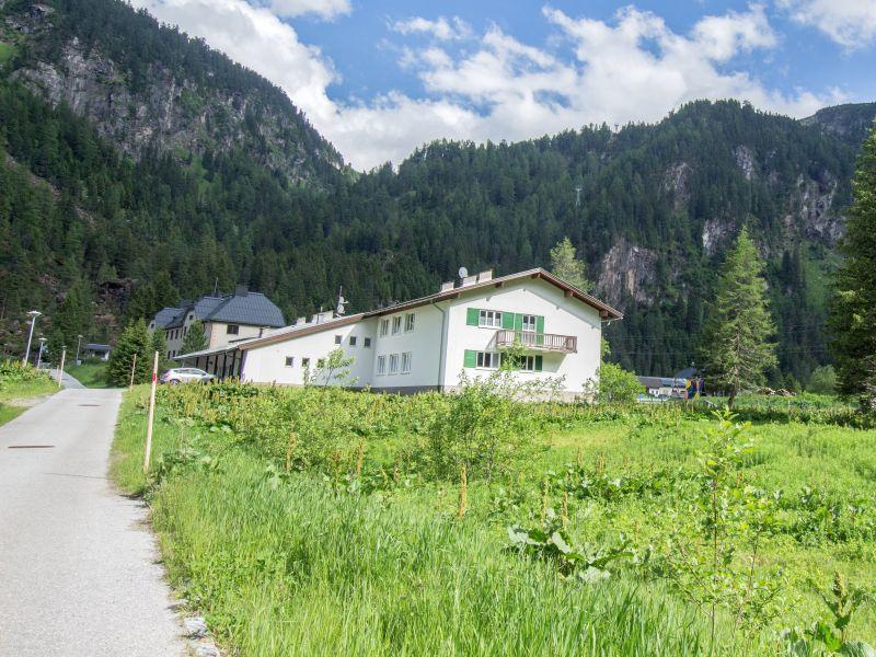 Ferienwohnung Wiegenwald Lodge direkt am Gletscher