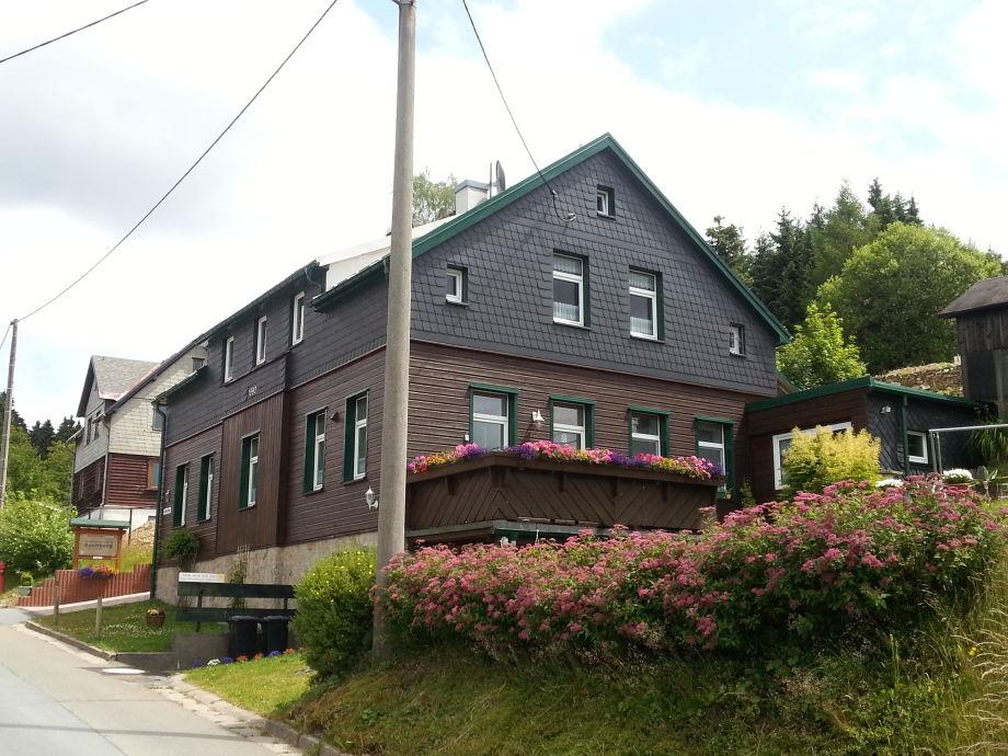 Haus mit Ferienwohnung