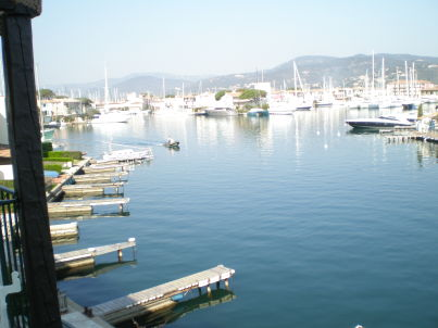 mit traumhaften Blick über den Golf von St. Tropez