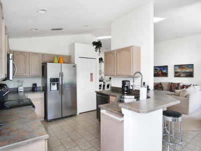 Lovely 4 bedroom with private pool & game room 16013