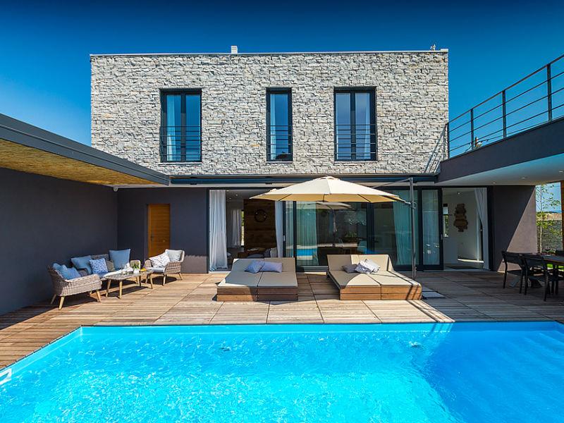 Villa Greyhouse