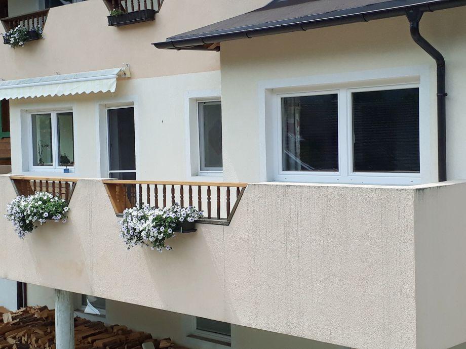 Außenansicht Ostseite mit Balkon