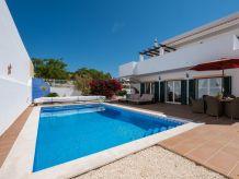 Villa RLAG83