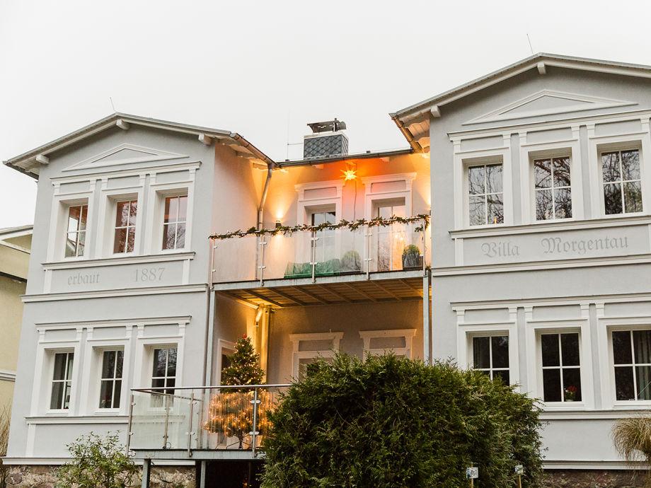 Vorderansicht der Villa Morgentau