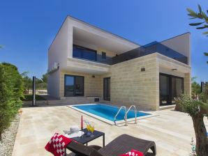 Villa Okit