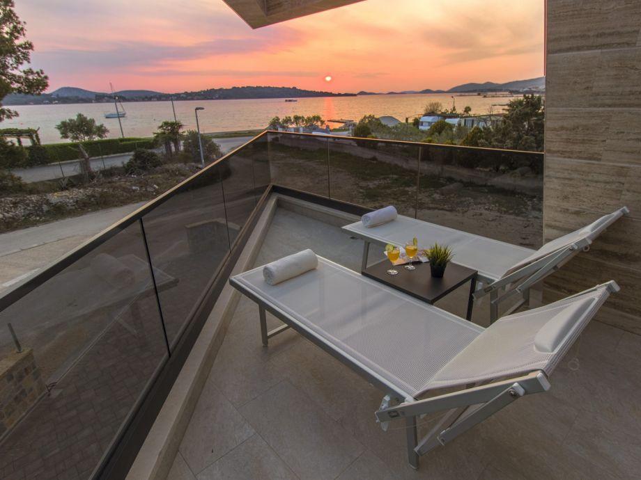 Sonnenuntergang auf unserer Terrasse