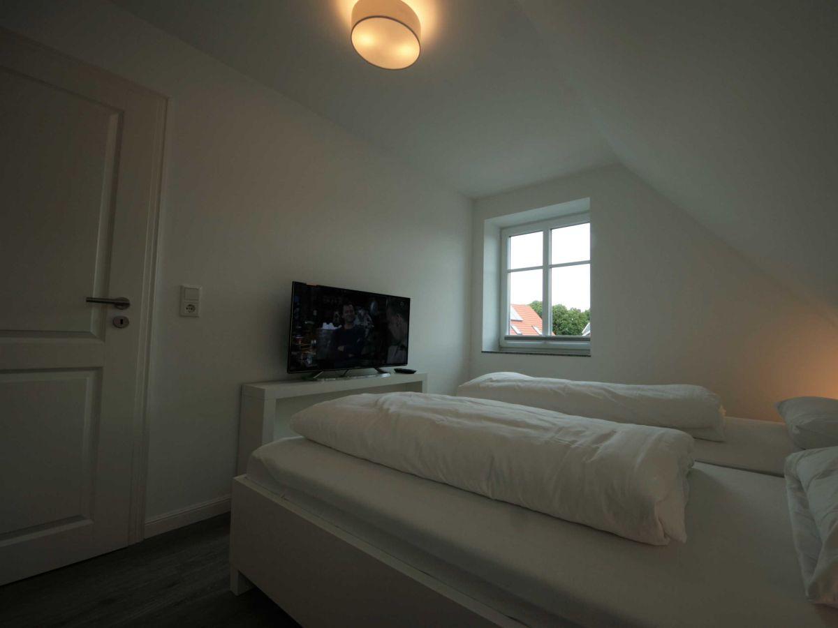 ferienwohnung haus katharina wohnung 1 wyk auf f hr firma ferien auf f hr gmbh frau ingrid. Black Bedroom Furniture Sets. Home Design Ideas