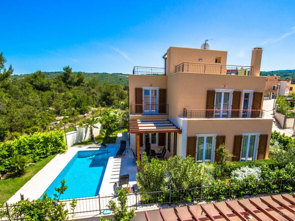 Moderne villa auf der insel brac dalmatien firma adriatic