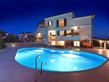 Holiday apartment Irena 2