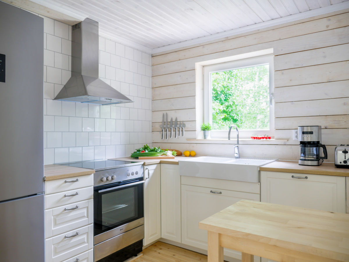 ferienhaus mit seeblick eigenem steg boot schweden sm land n ssj aneby eksj herr. Black Bedroom Furniture Sets. Home Design Ideas