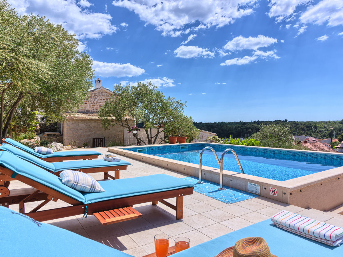 villa marcellina insel brac firma my waycation frau. Black Bedroom Furniture Sets. Home Design Ideas