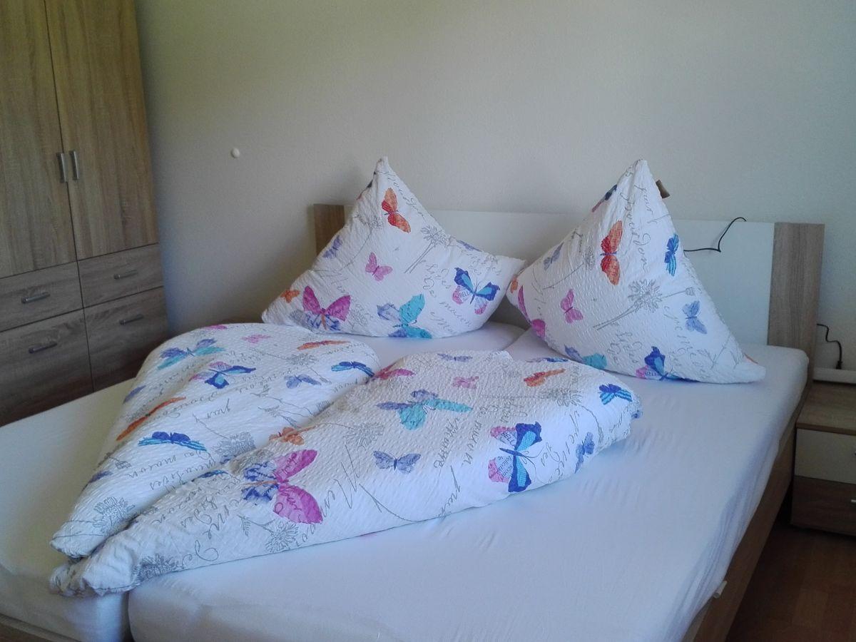 ferienwohnung luisa im haus fabienne s dschwarzwald grafenhausen firma ferienwohnung. Black Bedroom Furniture Sets. Home Design Ideas