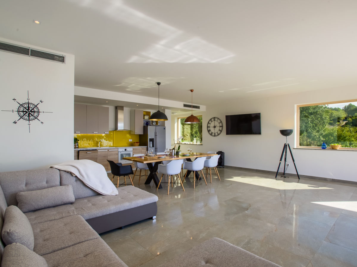 villa yanko tucepi firma my istria. Black Bedroom Furniture Sets. Home Design Ideas
