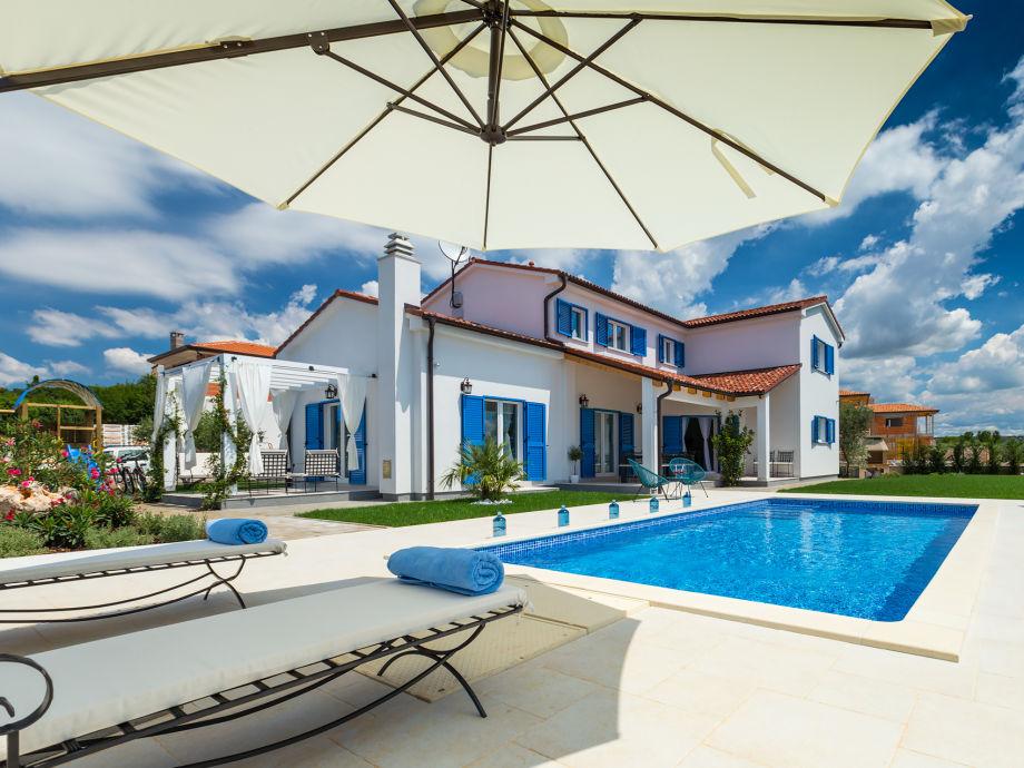 Außenaufnahme Villa Lara