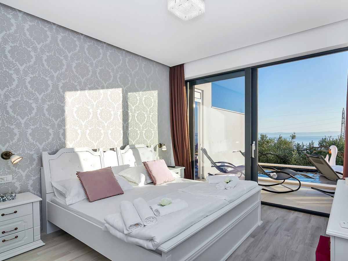 ferienhaus anja mit pool in makarska dalmatien makarska riviera makarska firma prominens d o. Black Bedroom Furniture Sets. Home Design Ideas