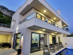 Ferienhaus Anja mit Pool in Makarska