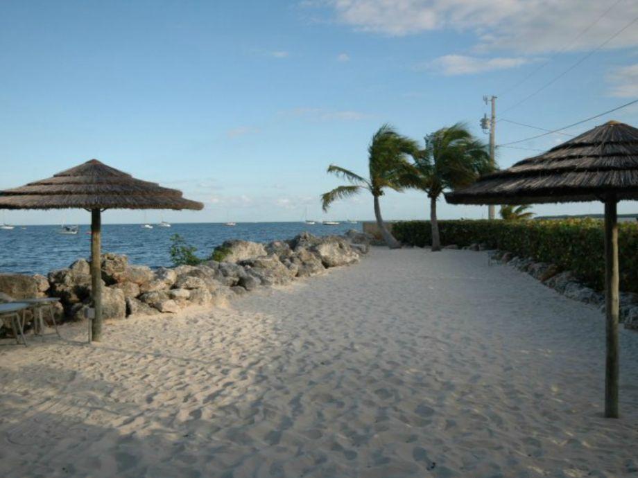 Upland sunning beach
