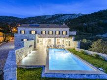 Villa Villa with Panoramic View