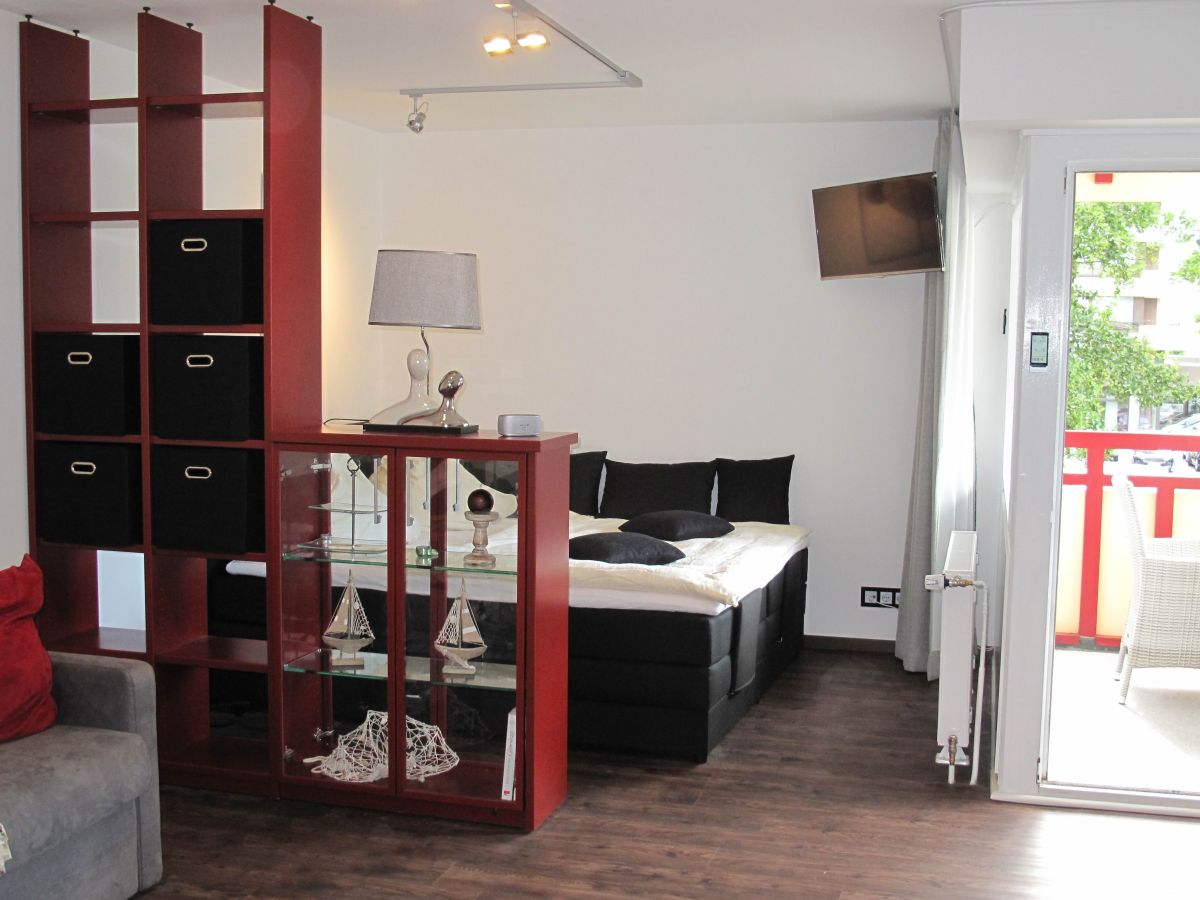 ferienwohnung im terrassenhaus mit schwimmbad und sauna duhnen firma cuxfewo24 frau heike zobel. Black Bedroom Furniture Sets. Home Design Ideas
