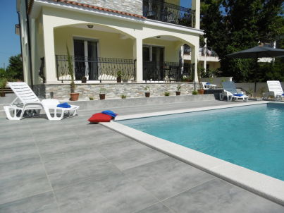 Villa Luka Apartment Red with Pool
