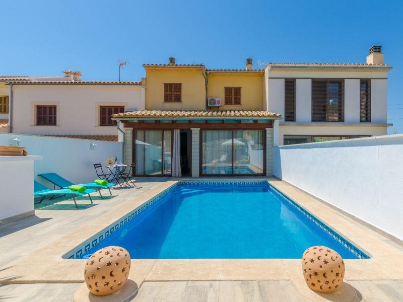 Villa Esmaez