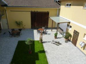 Gemütliches Apartment zur Seeseite mit Sauna, Balkon & Panoramablick