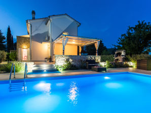 Villa West Wing mit pool