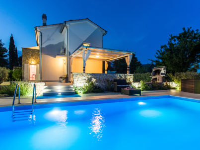 West Wing with pool