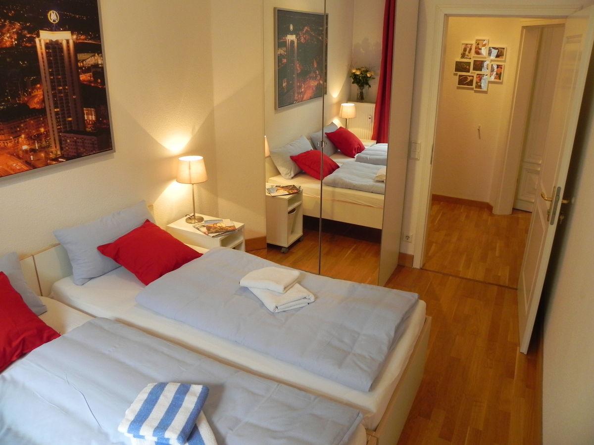 apartment am ro platz 3 zimmer k che bad g ste wc leipzig mitte herr o geray. Black Bedroom Furniture Sets. Home Design Ideas