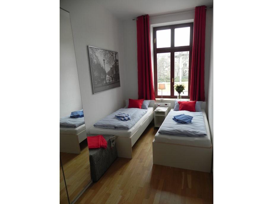 apartment am ro platz 3 zimmer k che bad g ste wc leipzig stadt herr o geray. Black Bedroom Furniture Sets. Home Design Ideas