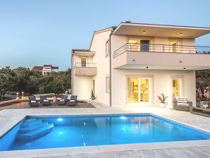 Villa Gellia