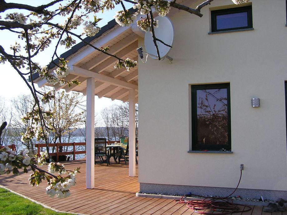 Blick Terrasse zum See