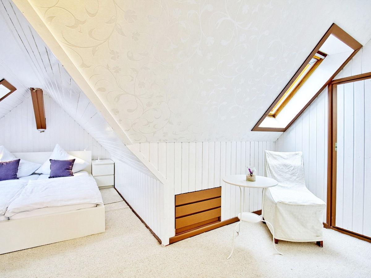 ferienwohnung leuchtturm ostsee l becker bucht firma l tgens gbr haus l tgens herr jens. Black Bedroom Furniture Sets. Home Design Ideas
