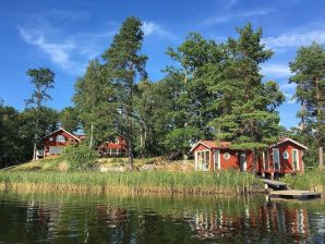 Ferienhaus Grosses Sommerhaus direkt am See